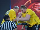 Dmitry Silaev debuts in professional armwrestling