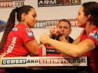 Armfight Sniezana Babajewa i Karolina Petersen ARM WARS at FIBO