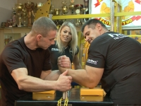 How to train armwrestling?
