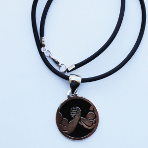 Arms in circle silver/black pendant