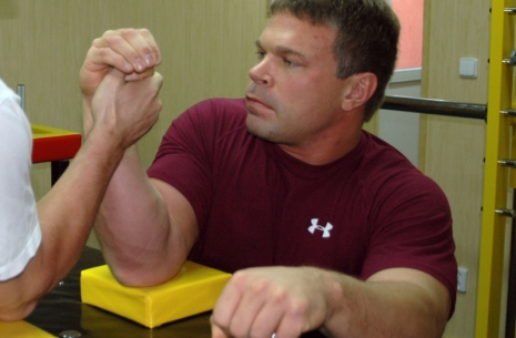 Over the top side pressure by John Brzenk # Armwrestling # Armpower.net