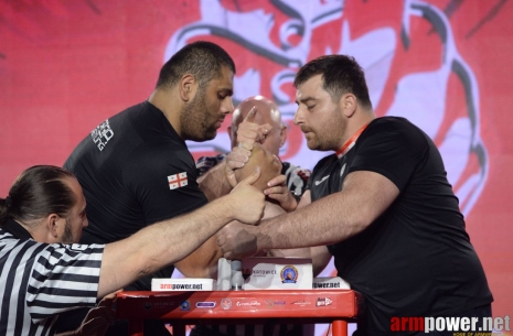 European Championship: senior classes, right hand # Armwrestling # Armpower.net