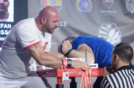 European Championship: juniors, youth and masters, left hand # Armwrestling # Armpower.net