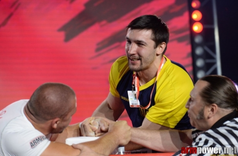 European Championship: senior classes, left hand # Armwrestling # Armpower.net