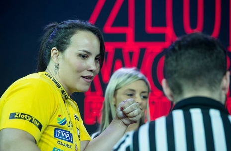 "Gabriela Vasconcelos: ""Every year I see more women getting stronger"" # Armwrestling # Armpower.net"
