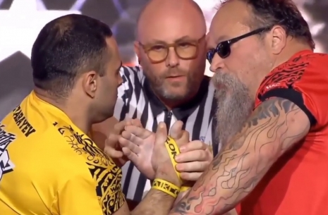 The pursuit for the mass: Babaev - Bresnan # Armwrestling # Armpower.net