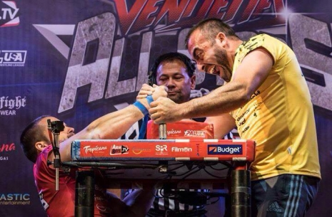 Game of nerves at the Arnold Classic # Armwrestling # Armpower.net