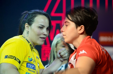 Gabriela Vasconcelos and Esra Kiraz: results of the year # Armwrestling # Armpower.net