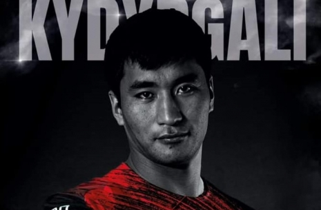 Armwrestling world champion Kydyrgali Ongarbaev: how is the preparation for the fight in China? # Armwrestling # Armpower.net