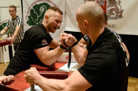 Gravis: I'll keep moving forward! # Armwrestling # Armpower.net