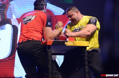 Power fight for Dmitry Trubin # Armwrestling # Armpower.net