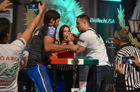 Worlds-2017: seniors' left hand pulling # Armwrestling # Armpower.net