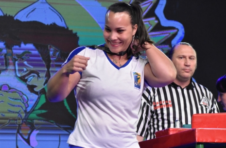 "Gabriela Vasconcelos: ""My plan is to show much more strength"" # Armwrestling # Armpower.net"